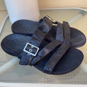 Vionic Skylar snakeskin print comfort sandals